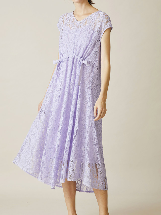 sleeveless lace flair dress