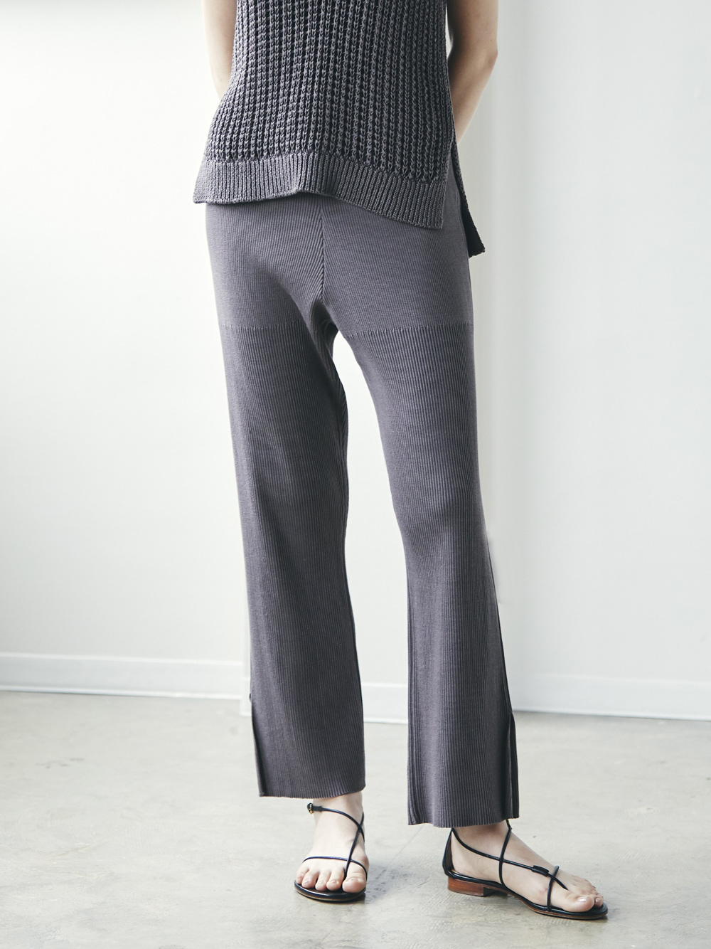 hi-twist cotton knit pants